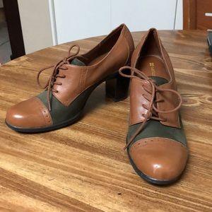 Naturalizer Bi-Color Heel